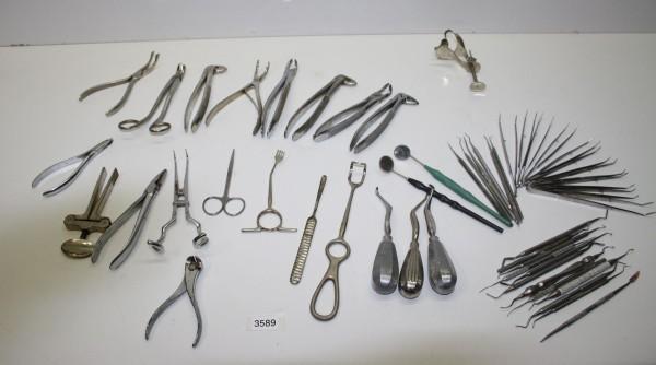 Restposten Zahnarzt-Instrumente, Bestecke, Pinzetten, Zangen etc. # 3589