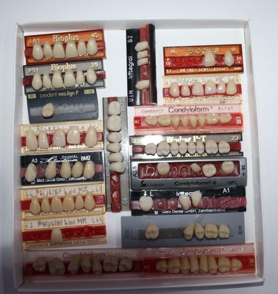 Zahngarnituren / Reparaturzähne namhafter Hersteller # 12748