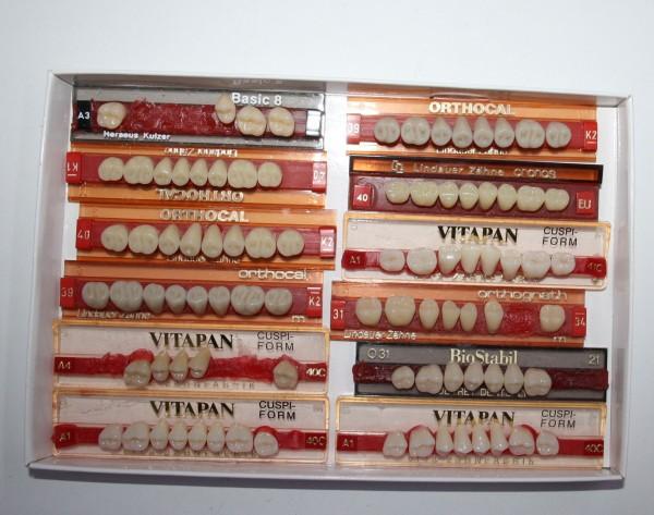 Zahngarnituren / Reparaturzähne namhafter Hersteller # 12727