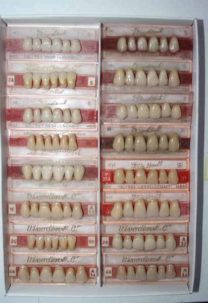 Zahngarnituren / Reparaturzähne namhafter Hersteller # 12743