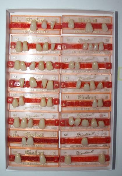 Zahngarnituren / Reparaturzähne namhafter Hersteller # 12734