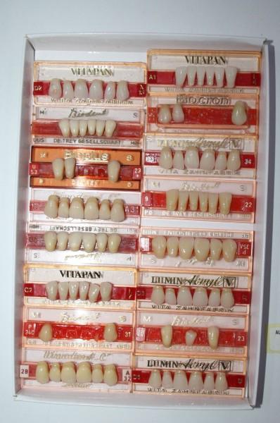 Zahngarnituren / Reparaturzähne namhafter Hersteller # 12729