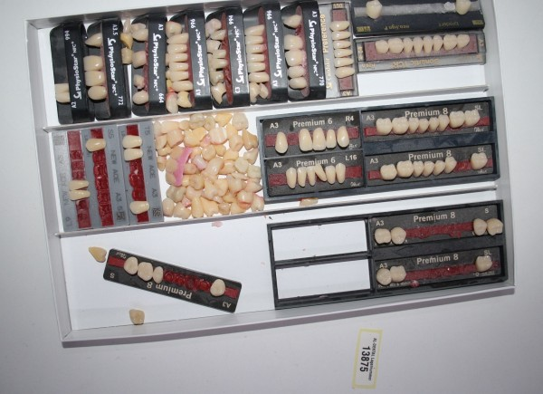 Zahngarnituren / Reparaturzähne namhafter Hersteller # 13875