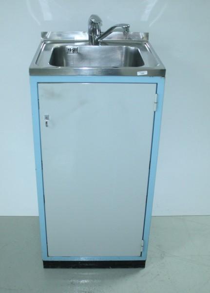 Praxis-Metallschrank / Waschbeckenschrank + Wasserhahn # 7334