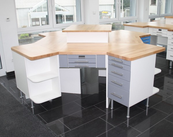 4er Labortisch / 4´er Insel / Labor Insel - Hausmarke - neu - graue Front