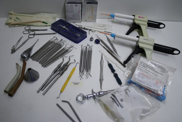 Diverse Insturmente/Sichheitskartuschen/Werkzeuge für Praxis #12447
